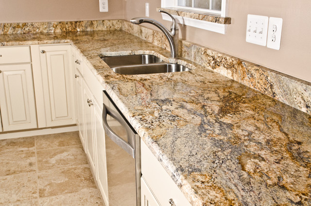 Photos In Yellow River Granite Bathrooms
