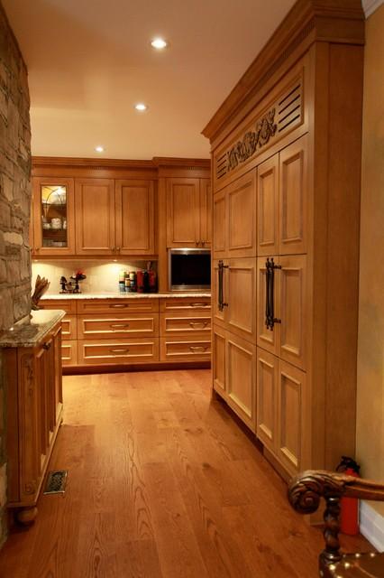 York Mills 001 traditional-kitchen
