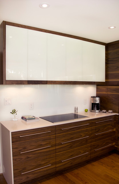 York Mills Metamorphose modern-kitchen