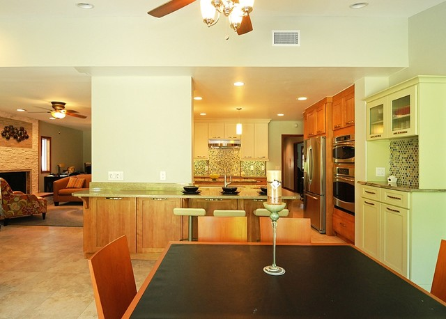 Young family Kitchen with 3 color cabinets - Traditional - Kitchen - tampa - by Bee Studios ...