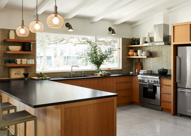How to Plan the Perfect U-Shaped Kitchen (14 photos)