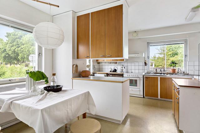 Kök kök eklektisk : Arkitektritad villa av Endel Öunapuu 1962, pÃ¥ väster i Örebro ...