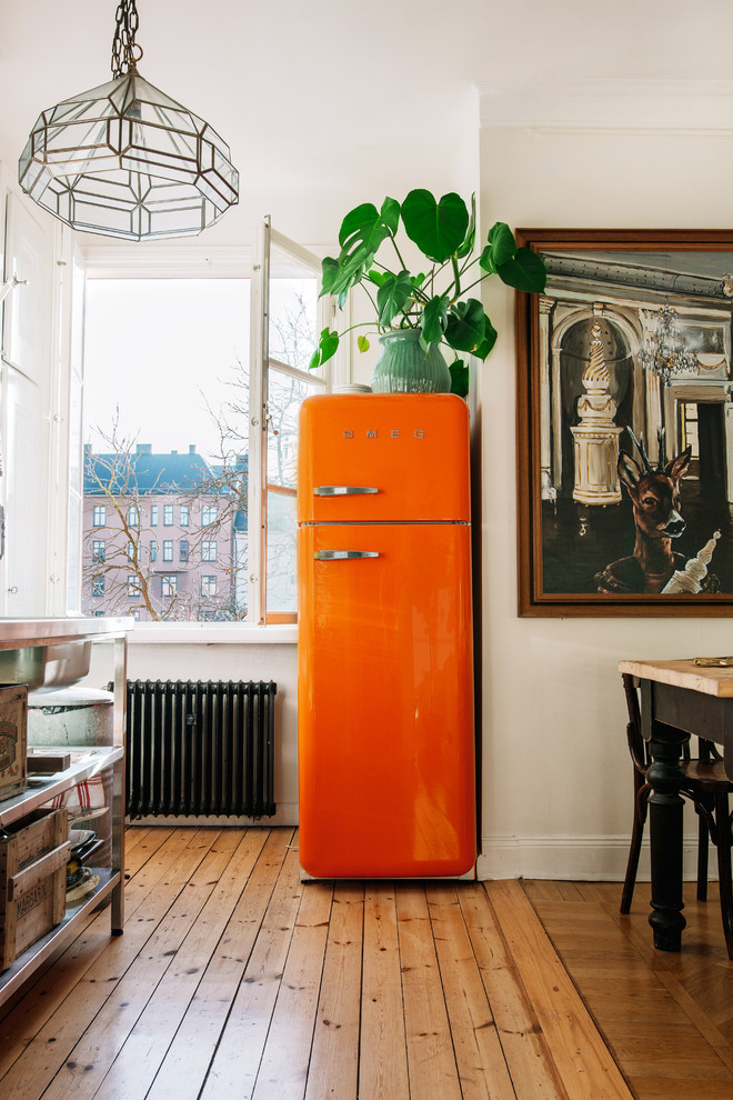 Inspiration for an eclectic kitchen remodel in Stockholm