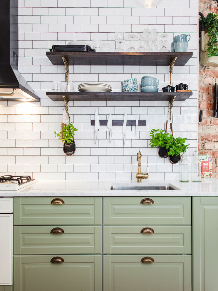 Inspiration for a farmhouse kitchen remodel in Stockholm