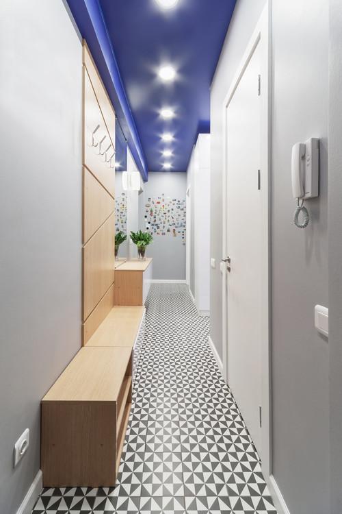 couloir-plafond-bleu-cobalt
