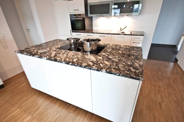 arbeitsplatte aus dem naturstein nero marinace modern k che dortmund von rossittis gmbh. Black Bedroom Furniture Sets. Home Design Ideas