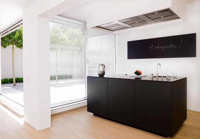 atriumhaus munich contemporary home bar other metro. Black Bedroom Furniture Sets. Home Design Ideas