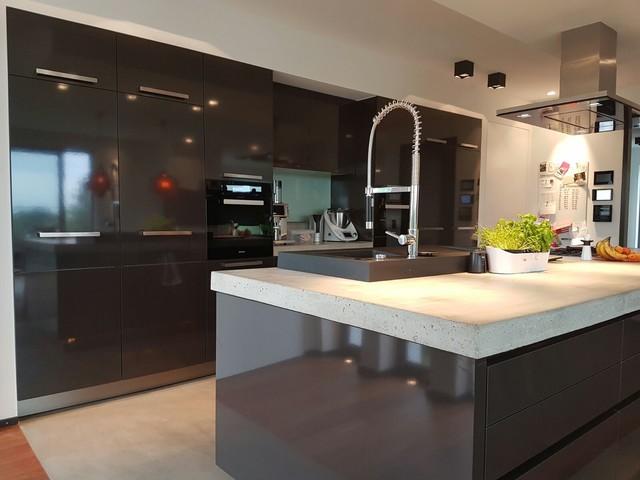BAX Küche Mit Miele Und Beton In Leichlingen Contemporary Kitchen