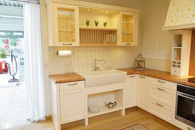 Besondere Küchen - Die RIEGA-Küche - Landhausstil - Küche ...