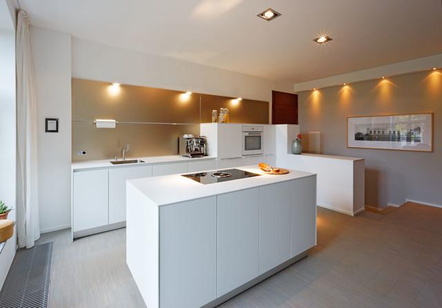 Sehr bulthaup b3 Küche mit Wandpaneel - Modern - Küche - Düsseldorf AJ38