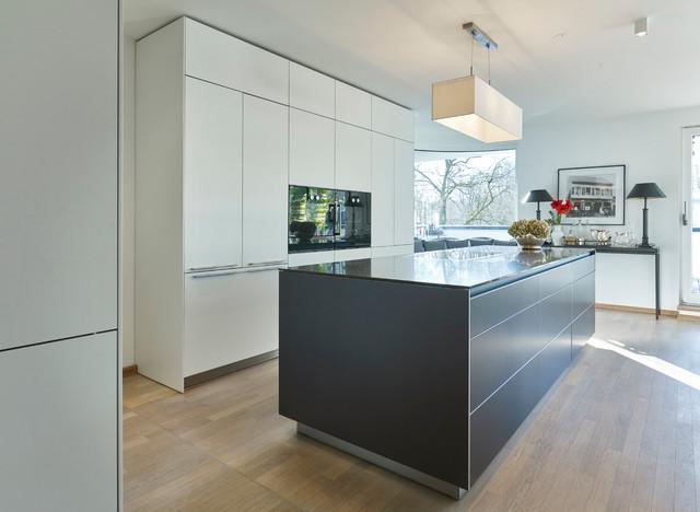 bulthaup b3 Lebensraum München 4 Contemporary Kitchen