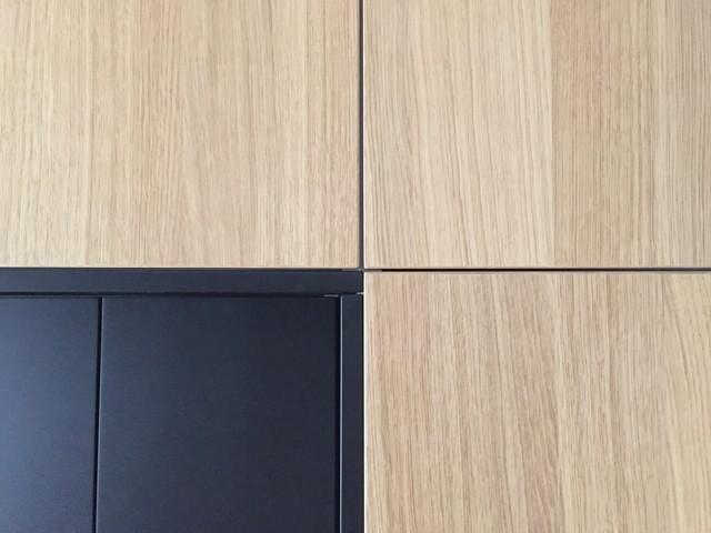 eiche und schwarzes mdf f r ikea metod modern k che m nchen von kuechenfront24. Black Bedroom Furniture Sets. Home Design Ideas