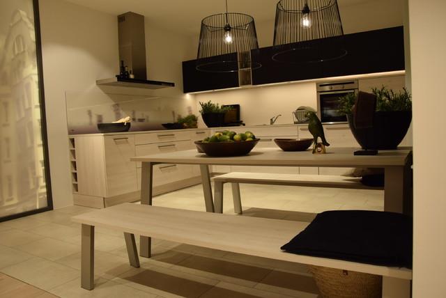 einbauk che l form nolte lack schwarz softmatt und kiruna birke. Black Bedroom Furniture Sets. Home Design Ideas