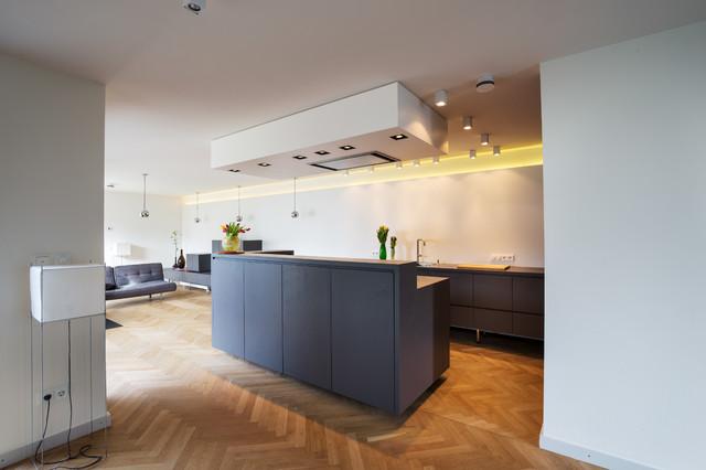 Einbauküche mit Kochinsel, Oberfläche IMI-Beton - Modern ...