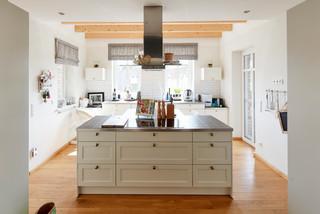 Küchen mit Arbeitsplatte aus Fliesen Ideen, Design & Bilder ...