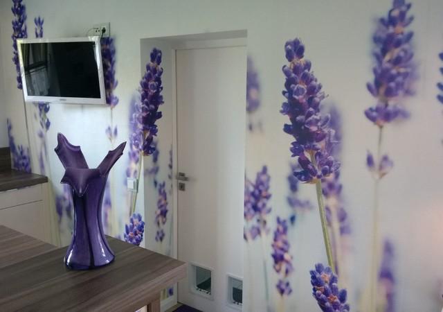 fototapete lavendel feld landhausstil k che other metro von exclusive wandgestaltung. Black Bedroom Furniture Sets. Home Design Ideas