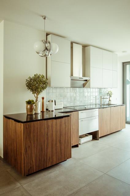 Ikea küchen metod grau  Fronten in Nußbaum und Grau für IKEA Metod - Modern - Küche - Berlin ...