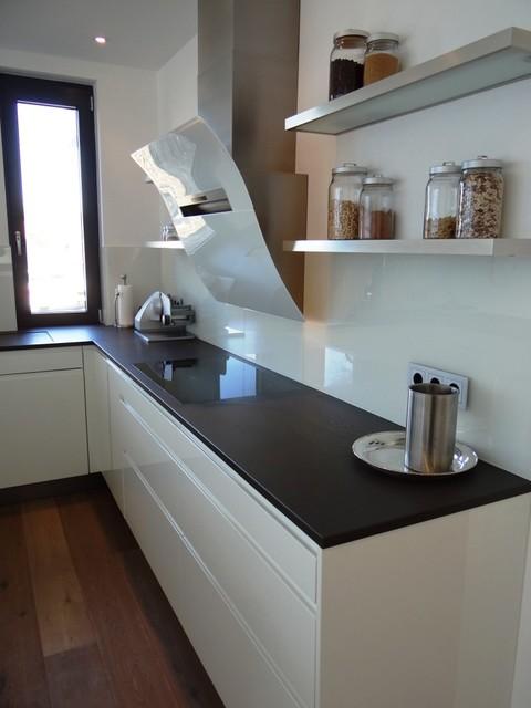 Grifflos Weiß mit Grauwacke - Modern - Küche - Köln - von ...