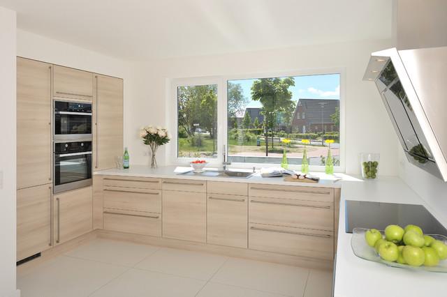 haus l einfamilienhaus modern k che sonstige von architektenb ro lorenzen. Black Bedroom Furniture Sets. Home Design Ideas