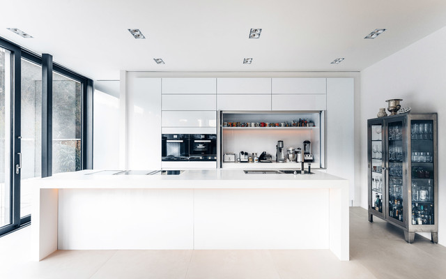 Haus s contemporary kitchen cologne by tragwerk for Haus kitchens