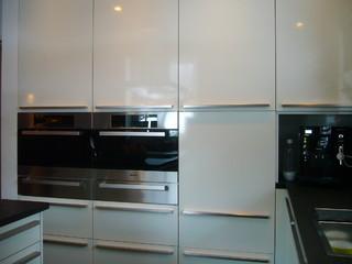hochschrankbereich mit miele einbauger ten modern k che sonstige von k chen villa. Black Bedroom Furniture Sets. Home Design Ideas