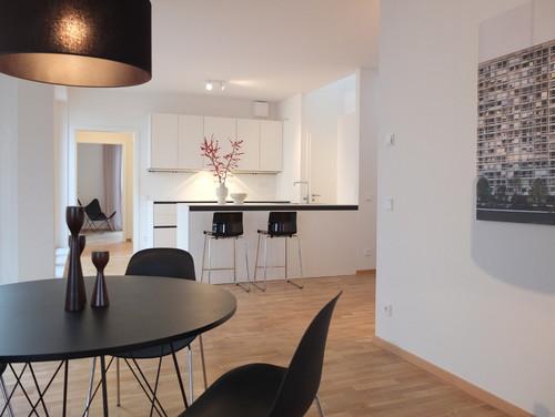 wo kann man den tisch kaufen und wie teuer ist er. Black Bedroom Furniture Sets. Home Design Ideas