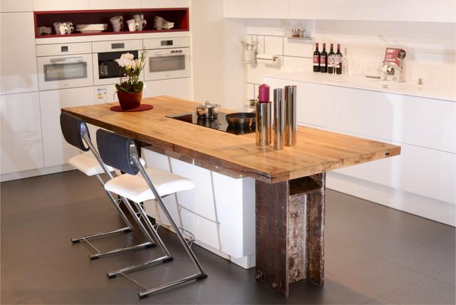 kochinsel mit altholz und industrial design industrial. Black Bedroom Furniture Sets. Home Design Ideas