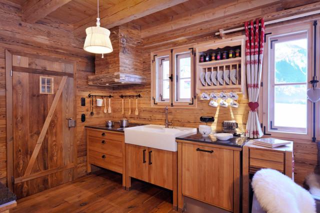 Rustikal küche  Küche, Chalet Grand Flüh - das Wohlfühl-Chalet - Rustikal - Küche ...
