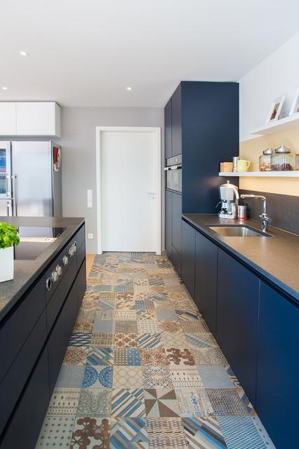 k che esslingen modern k che stuttgart von k chenhaus basler. Black Bedroom Furniture Sets. Home Design Ideas