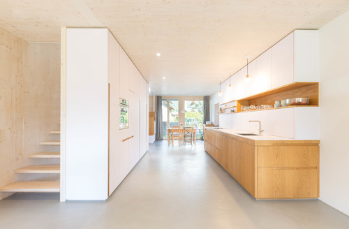 Eine Holz Weisse Kuche Ist Raumtrenner Garderobe
