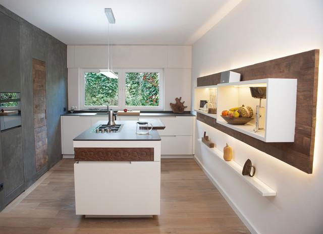 Küche mit Altholz und Spachteltechnik