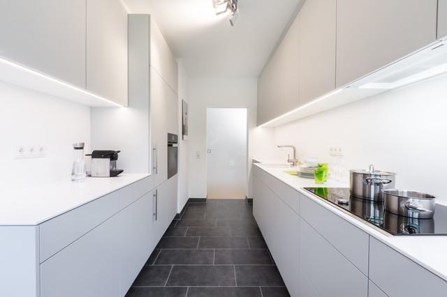 Küche Mit Corian Arbeitsplatte Minimalistisch Kueche