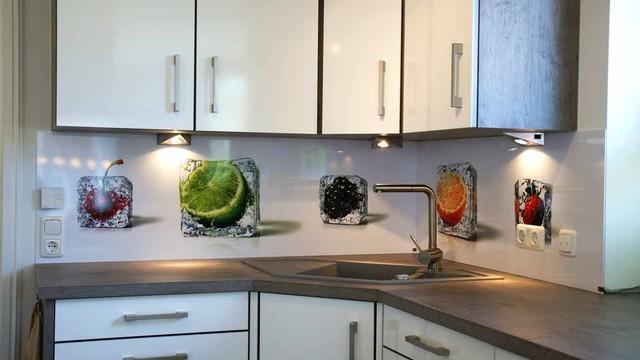 K chenr ckw nde contemporain cuisine berlin par for Spritzschutz milchglas