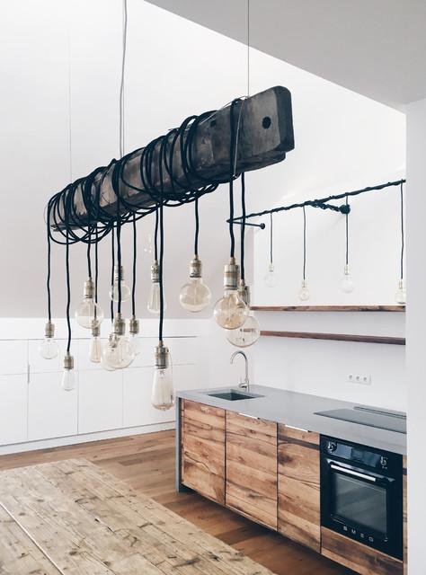 Lampe aus einem alten Scheunenbalken - Modern - Küche - Berlin - von ...