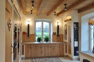 landhausk che exclusiv nach ma landhausstil k che. Black Bedroom Furniture Sets. Home Design Ideas