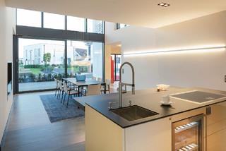 luxhaus musterhaus frechen k ln modern k che n rnberg von lopez fotodesign. Black Bedroom Furniture Sets. Home Design Ideas
