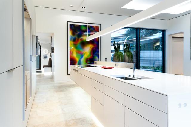 luxusk che k cheninsel nahtlos aus mineralwerkstoff modern k che essen von klocke. Black Bedroom Furniture Sets. Home Design Ideas