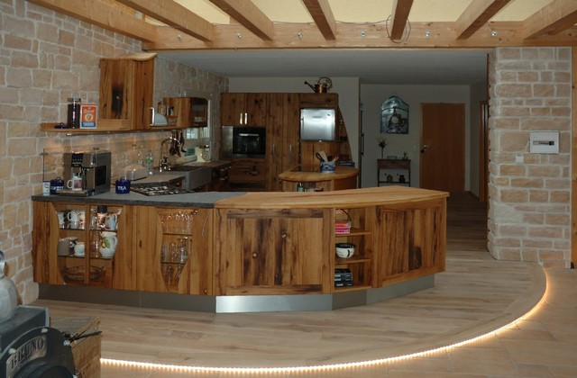 Massivholzküche mit runden Formen - Modern - Küche - Sonstige ... | {Moderne massivholzküchen 0}