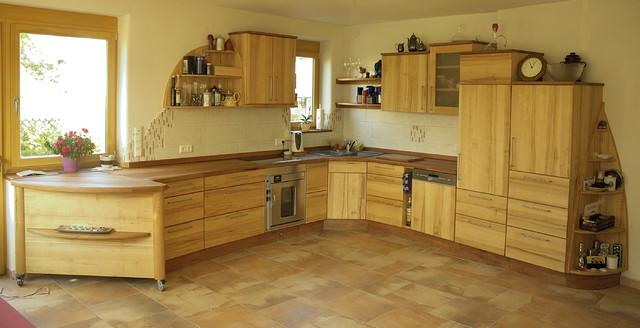 massivholzküche mit verschiebarer kücheninsel - modern