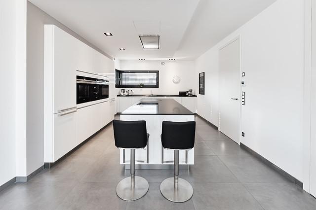 modern k che. Black Bedroom Furniture Sets. Home Design Ideas
