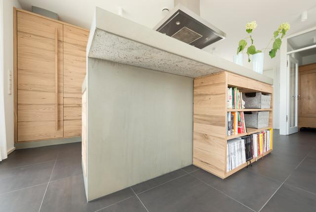 Moderne Küche mit Beton-Arbeitsplatte sovremennyy-kuhnya