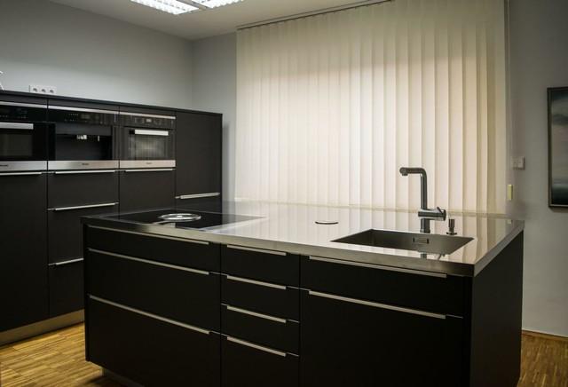 schwarze kuche matt ~ kreative ideen für ihr zuhause-design, Wohnzimmer design
