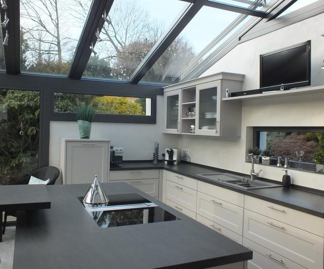 Outdoor Küche Im Wintergarten : Moderne landhausküche im wintergarten landhausstil küche