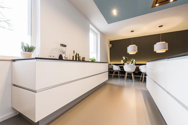 Beliebt Moderne Raumgestaltung in altem Weinmeisterhaus - Modern - Küche OQ29