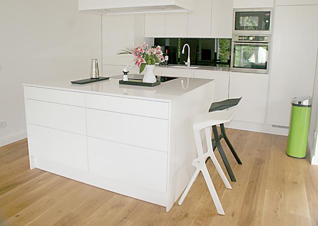 moderne weiße küche. - contemporary - kitchen - berlin -