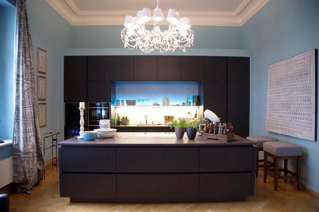 Moderne wohnküche in schwarz klassischem ambiente modern kueche