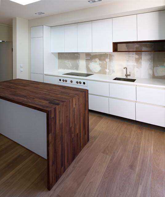 neubau einfamilienhaus k che kurz vor bezug modern k che frankfurt am main von. Black Bedroom Furniture Sets. Home Design Ideas