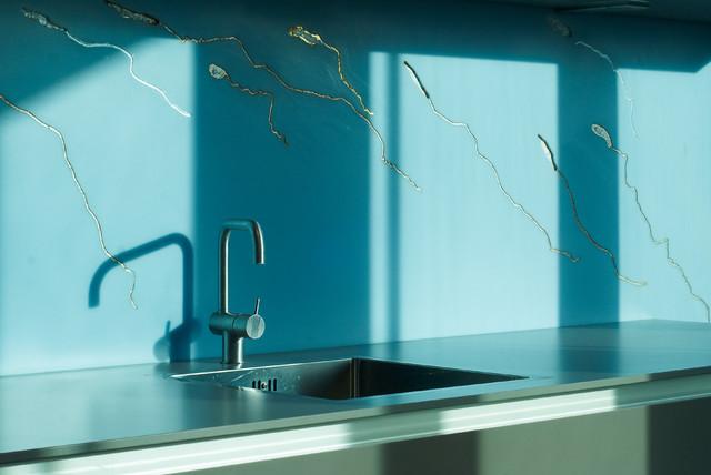 offene k che in braun blau contemporary kitchen. Black Bedroom Furniture Sets. Home Design Ideas