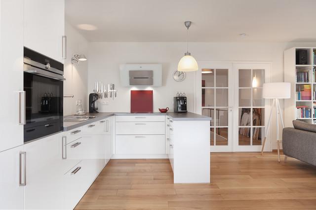 Offene Küche in skandinavischem Stil - Skandinavisch - Küche ...