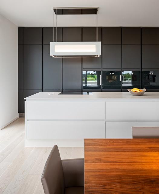 Penthouse modern-kueche